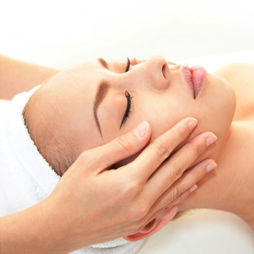 Essenziale Beauty Salon - Face Treatments - Cetuem SCR Gold Hydration Threapy Facials|
