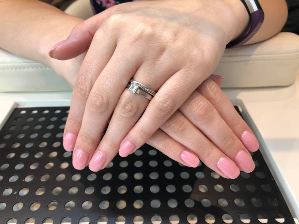 Essenziale Beauty Salon - Gallery - Manicure 1