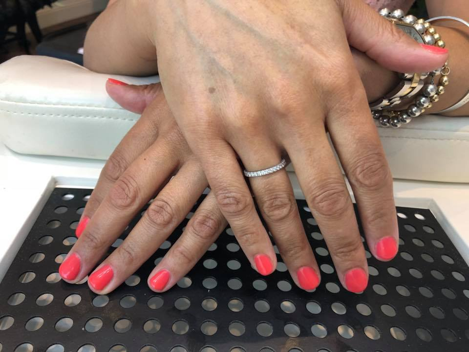 Essenziale Beauty Salon - Gallery - Manicure 2